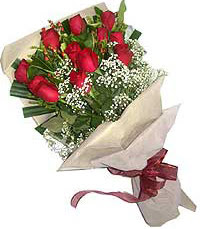 11 adet kirmizi güllerden özel buket  Rize çiçek gönderme sitemiz güvenlidir