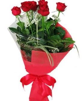 5 adet kırmızı gülden buket  Rize internetten çiçek siparişi