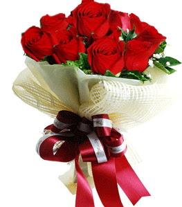 9 adet kırmızı gülden buket tanzimi  Rize 14 şubat sevgililer günü çiçek