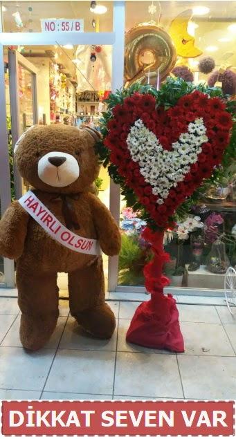 1.5 Metre peluş ayı ve Kalp  Rize 14 şubat sevgililer günü çiçek