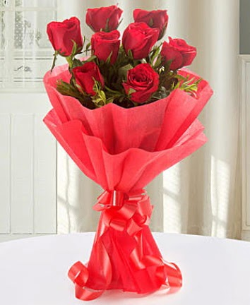 9 adet kırmızı gülden modern buket  Rize uluslararası çiçek gönderme