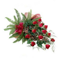 Rize çiçek gönderme  10 adet kirmizi gül özel buket çiçek siparisi