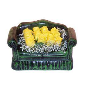 Seramik koltuk 12 sari gül   Rize kaliteli taze ve ucuz çiçekler