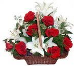 sepette gül ve kazablankalar   Rize yurtiçi ve yurtdışı çiçek siparişi