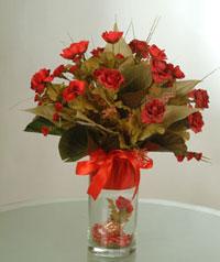 yapay güllerden vazo  9 gül  Rize çiçek , çiçekçi , çiçekçilik