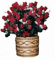 yapay kirmizi güller sepeti   Rize internetten çiçek siparişi