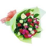 12 adet renkli gül buketi   Rize 14 şubat sevgililer günü çiçek