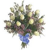 bir düzine beyaz gül buketi   Rize 14 şubat sevgililer günü çiçek