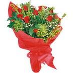 10 adet kirmizi gül buketi  Rize anneler günü çiçek yolla