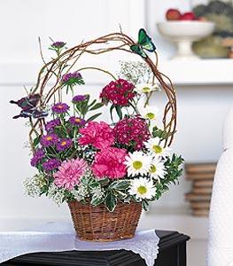 Rize çiçek satışı  sepet içerisinde karanfil gerbera ve kir çiçekleri
