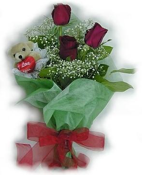 3 adet gül ve küçük ayicik buketi  Rize çiçekçi telefonları