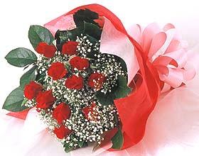 12 adet kirmizi gül buketi  Rize çiçekçi telefonları