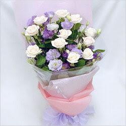 Rize çiçek yolla , çiçek gönder , çiçekçi   BEYAZ GÜLLER VE KIR ÇIÇEKLERIS BUKETI