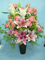 Rize çiçek yolla , çiçek gönder , çiçekçi   cam vazo içerisinde 21 gül 1 kazablanka
