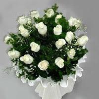 Rize güvenli kaliteli hızlı çiçek  11 adet beyaz gül buketi ve bembeyaz amnbalaj