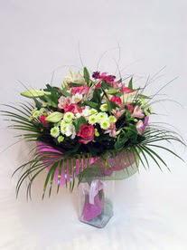 Rize güvenli kaliteli hızlı çiçek  karisik mevsim buketi mevsime göre hazirlanir.