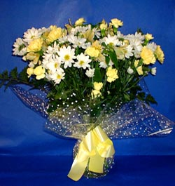 Rize güvenli kaliteli hızlı çiçek  sade mevsim demeti buketi sade ve özel