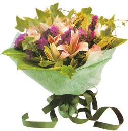 karisik mevsim buketi anneler günü ve sevilenlere  Rize yurtiçi ve yurtdışı çiçek siparişi