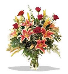 Rize internetten çiçek satışı  Pembe Lilyum ve Gül