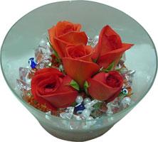 Rize ucuz çiçek gönder  5 adet gül ve cam tanzimde çiçekler
