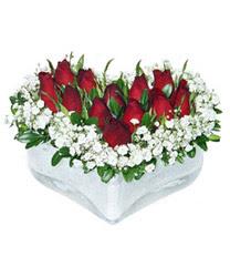 Rize çiçek gönderme sitemiz güvenlidir  mika kalp içerisinde 9 adet kirmizi gül