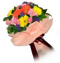 Rize yurtiçi ve yurtdışı çiçek siparişi  Karisik mevsim çiçeklerinden demet