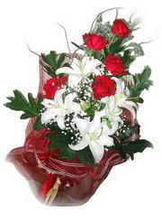 Rize internetten çiçek siparişi  5 adet kirmizi gül 1 adet kazablanka çiçegi buketi