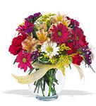 Rize çiçek mağazası , çiçekçi adresleri  cam yada mika vazo içerisinde karisik kir çiçekleri