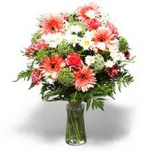 Rize İnternetten çiçek siparişi  cam yada mika vazo içerisinde karisik demet çiçegi