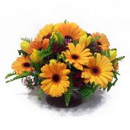 gerbera ve kir çiçek masa aranjmani  Rize çiçek yolla