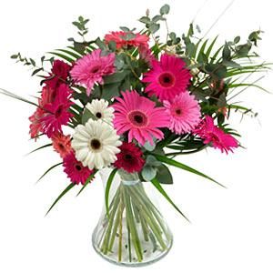 15 adet gerbera ve vazo çiçek tanzimi  Rize çiçek gönderme