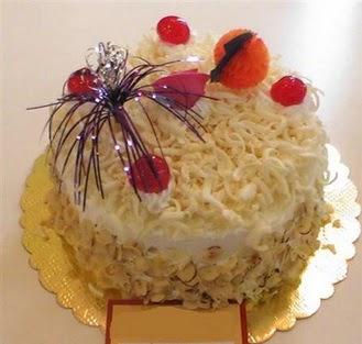 pasta siparisi 4 ile 6 kisilik yaspasta mis lezzette  Rize çiçek online çiçek siparişi