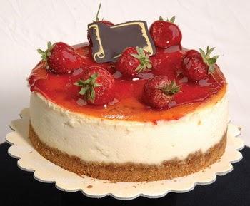online pastaci 4 ile 6 kisilik yas pasta çilekli  Rize online çiçekçi , çiçek siparişi