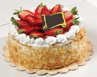 uygun pastaneler 4 ile 6 kisilik çilekli yas pasta lezzetli  Rize çiçek yolla