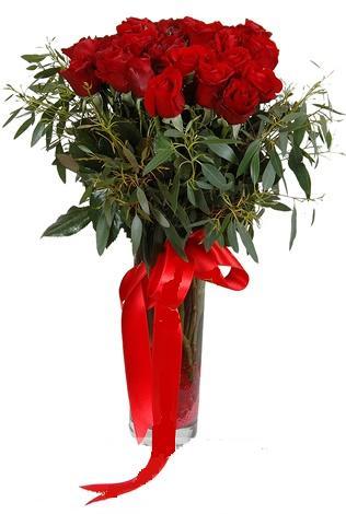 15 adet kirmizi gül cam vazo içerisinde  Rize çiçek yolla , çiçek gönder , çiçekçi
