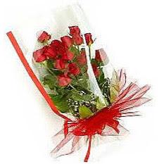 13 adet kirmizi gül buketi sevilenlere  Rize çiçek yolla