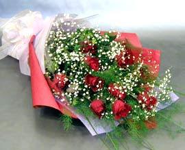 10 adet kirmizi gül çiçegi gönder  Rize hediye çiçek yolla