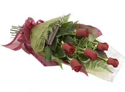 ucuz çiçek siparisi 6 adet kirmizi gül buket  Rize online çiçekçi , çiçek siparişi