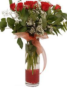 Rize çiçek , çiçekçi , çiçekçilik  11 adet kirmizi gül vazo çiçegi