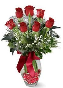 Rize çiçek gönderme sitemiz güvenlidir  7 adet kirmizi gül cam vazo yada mika vazoda