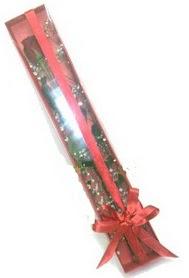 tek kutu içerisinde kirmizi gül  Rize online çiçekçi , çiçek siparişi
