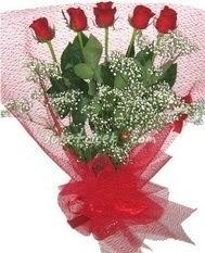 5 adet kirmizi gülden buket tanzimi  Rize anneler günü çiçek yolla