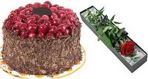 1 adet yas pasta ve 1 adet kutu gül  Rize çiçek , çiçekçi , çiçekçilik