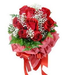 9 adet en kaliteli gülden kirmizi buket  Rize internetten çiçek satışı