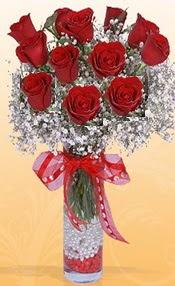 10 adet kirmizi gülden vazo tanzimi  Rize online çiçekçi , çiçek siparişi