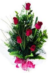 Rize çiçek siparişi vermek  5 adet kirmizi gül buketi hediye ürünü