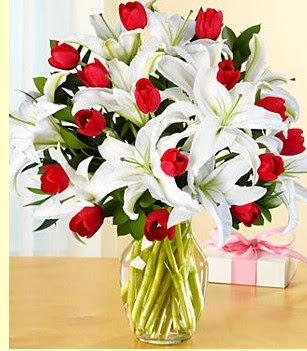 Rize online çiçekçi , çiçek siparişi  3 kazablanka 10 kırmızı gül vazosu