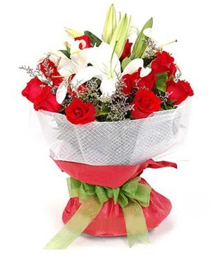Rize güvenli kaliteli hızlı çiçek  1 dal kazablanka 11 adet kırmızı gül buketi