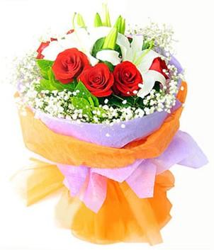 Rize 14 şubat sevgililer günü çiçek  1 dal kazablanka 7 adet kırmızı gül buketi