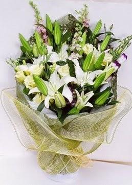 Rize internetten çiçek satışı  3 adet kazablankalardan görsel buket çiçeği